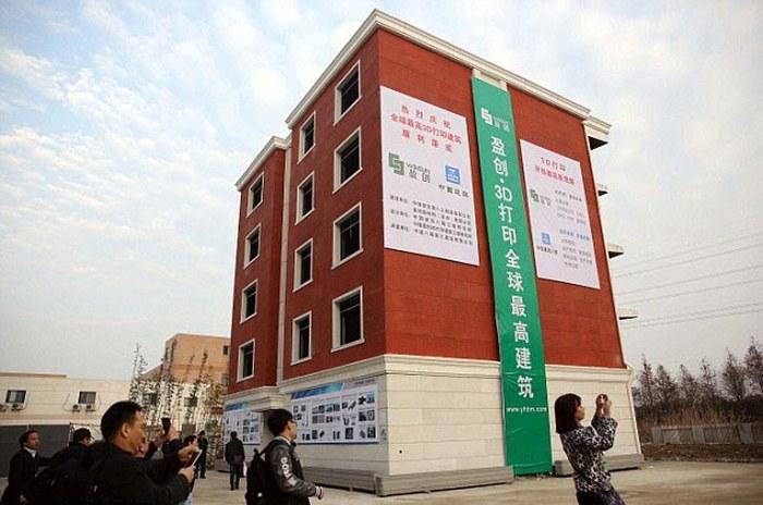 Китайцы научились печатать дома на 3D-принтере (8 фото)