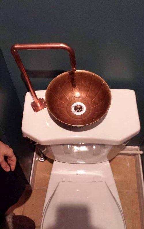 Интересное устройство для экономии воды (9 фото)