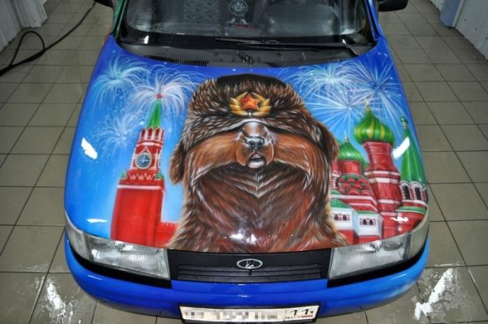 Жительница Республики Коми создала для своего отца патриотичный ВАЗ-2110 (15 фото)