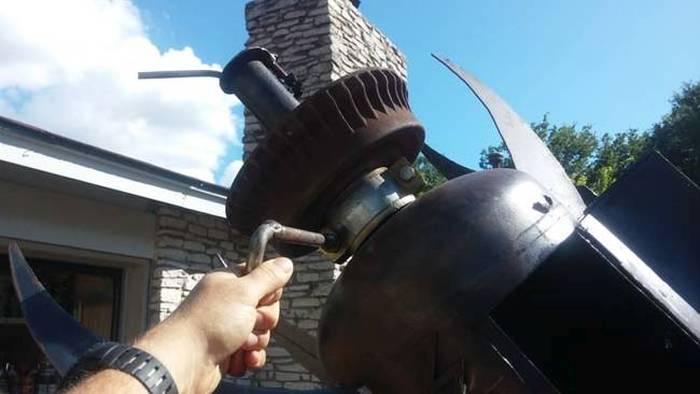 Уникальная самодельная коптильня из металлолома (13 фото)