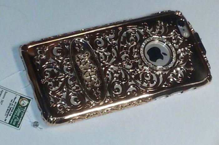 Чиновник из Якутии подарил жене чехол для iPhone 6 за 550 000 рублей (3 фото)