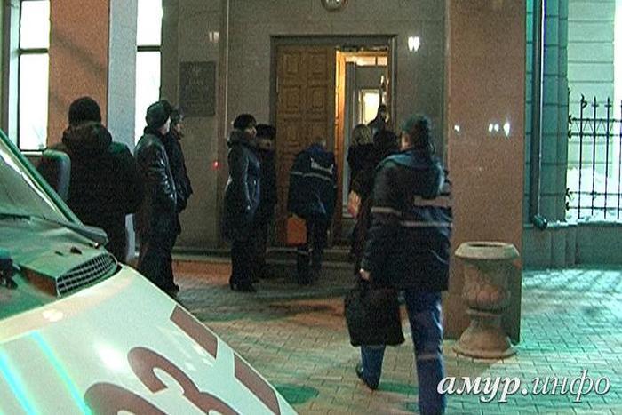 Уволенный замначальника ЦБ по Амурской области убил трех коллег и застрелился сам (8 фото)