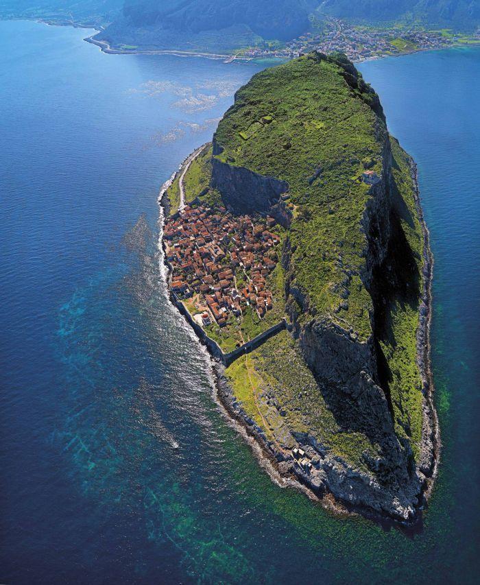 Монемвасия - удивительный город в Греции (22 фото)