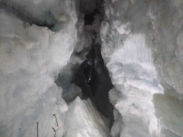 Исландцы превращают ледник Лаунгйёкюдль в туристическую достопримечательность (16 фото)