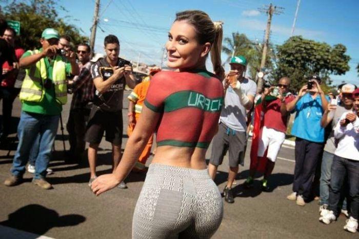 Андресса Урак и ее жертва ради победы в Miss Bumbum (9 фото)