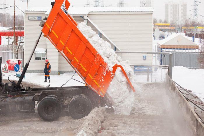 Как Москва избавляется от снега (18 фото)