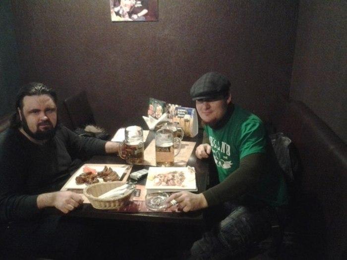 Трудовые будни и развлечения коллег по работе Павла и Сергея (11 фото)