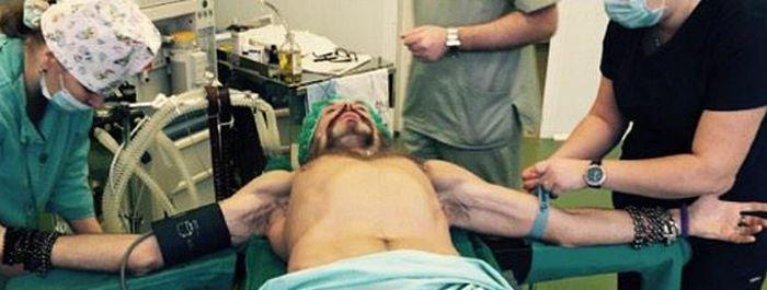 Никита Джигурда выложил в сеть свои фото с операционной (2 фото)