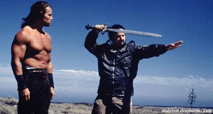 Конкуренция кинокумиров: Сталлоне против Шварценеггера (24 фото)