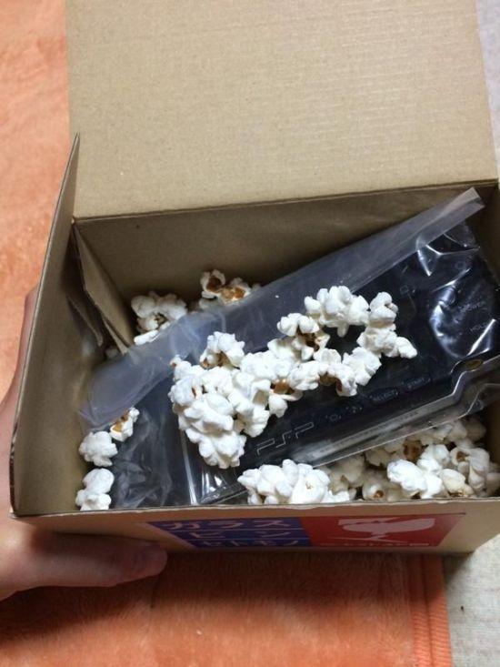 Съедобный материал для упаковки хрупких предметов (2 фото)