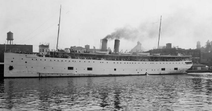 Малоизвестная трагедия парохода «Истлэнд» (11 фото)