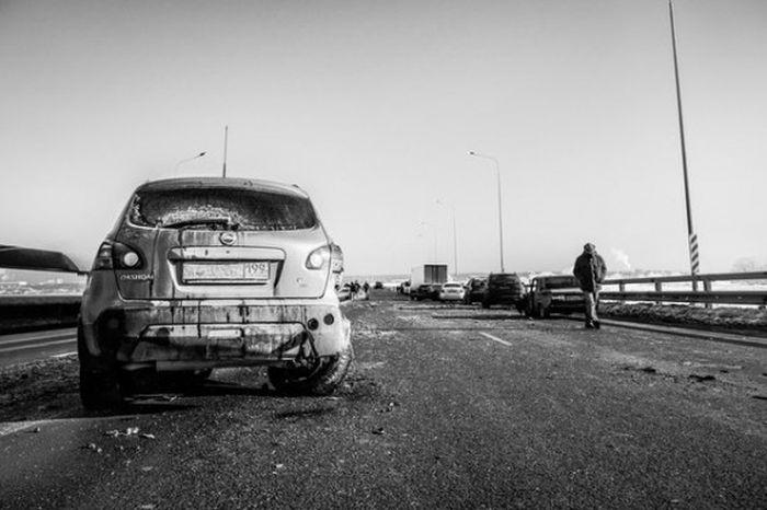 Возле Жуковского в массовом ДТП столкнулись 78 машин (13 фото + видео)