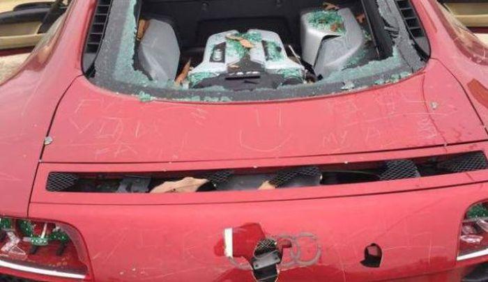 Автоместь, из-за которой пострадал дорогой суперкар (4 фото)