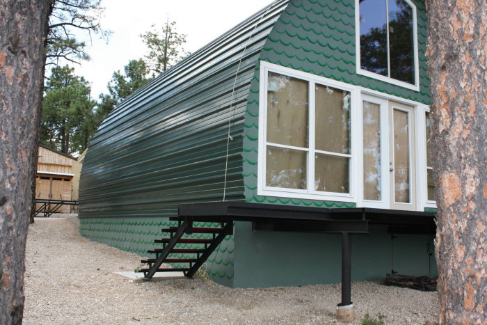 Дом с необычной архитектурой (23 фото)