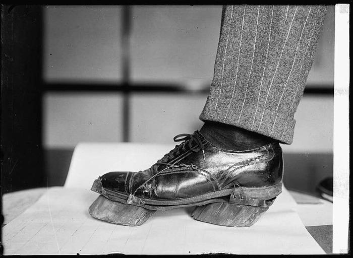 Странная обувь американцев в прошлом (3 фото)