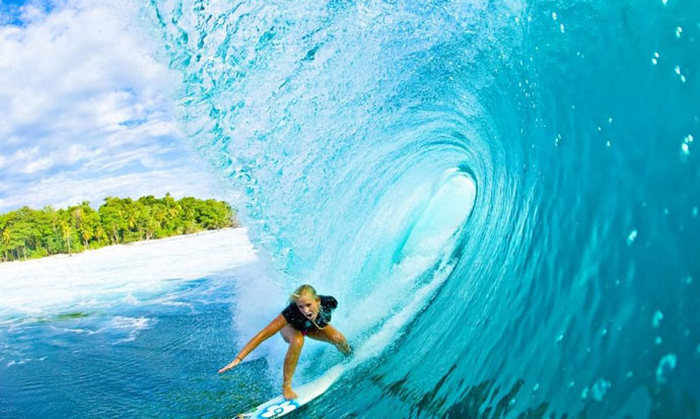 Стойкая американка продолжает заниматься серфингом, несмотря на инвалидность и беременность (16 фото)
