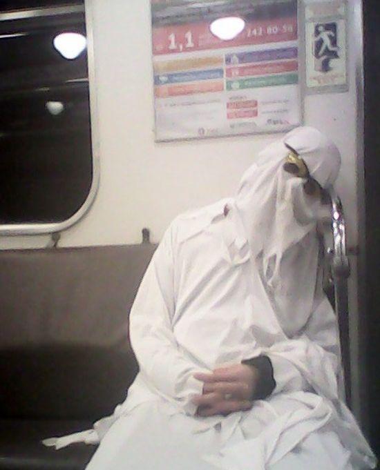 Необычные пассажиры в метро Санкт-Петербурга (42 фото)