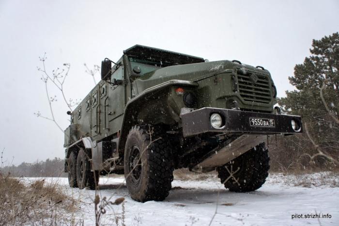Новый бронеавтомобиль Урал ВВ на вооружении российской армии (11 фото)