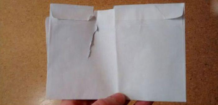 Как не стоит открывать письма (2 фото)