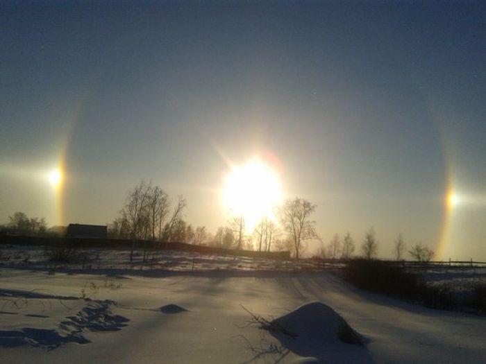 В небе над Челябинском появилось сразу «три светила» (8 фото)