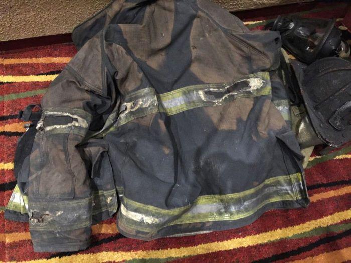 Будний день пожарника (4 фото)