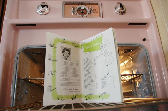 Раритетная кухня в одном американском доме (16 фото)