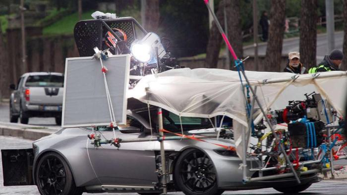 Автомобиль Джеймса Бонда (6 фото)