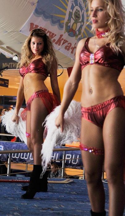 Девушки из команд поддержки КХЛ (46 фото)