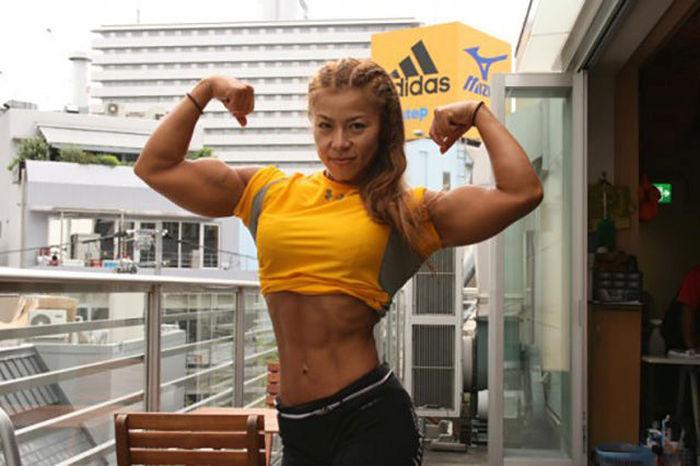 Угадайте возраст этой спортсменки? (20 фото)