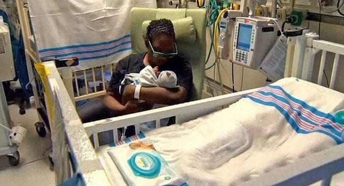 Новорожденный ребенок (3 фото)