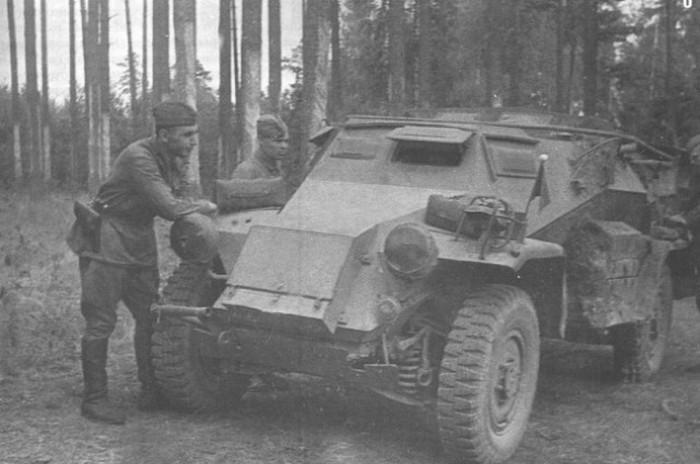 Трофейная военная техника в руках бойцов Красной армии (44 фото)