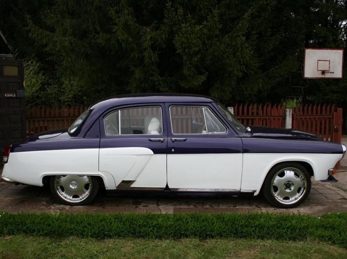 Гибрид «Волги» и Mercedes от литовских энтузиастов (12 фото)