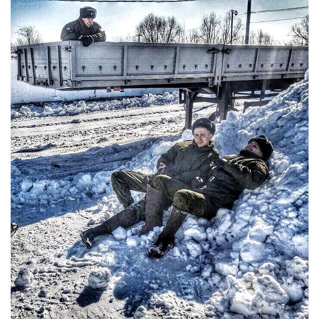 Служба российских солдат-срочников на фото в Instagram (32 фото)