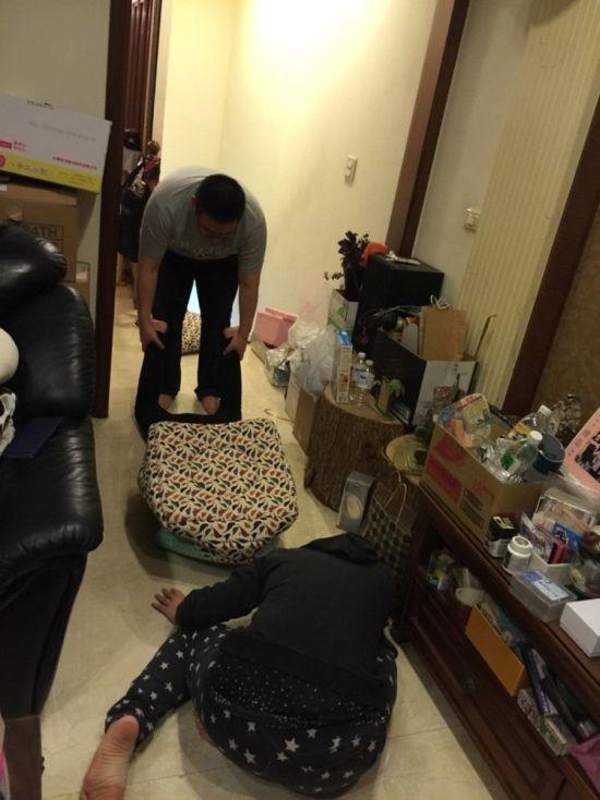 Спасение девушки, застрявшей в кошачьем домике (6 фото)