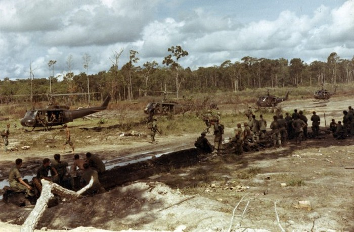 Фотографии американского солдата в годы войны во Вьетнаме (40 фото)