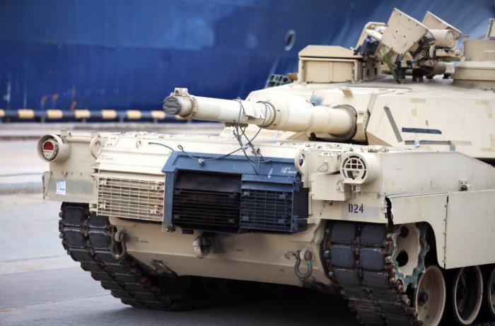 В Латвию прибыли американские военнослужащие и военная техника (11 фото)