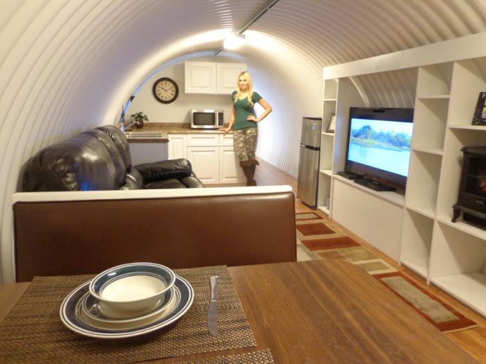 Подземный бункер во дворе собственного дома (29 фото)