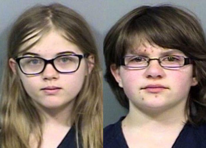 Чтобы ублажить Слендермена 12-летние девочки попытались убить подругу (13 фото)