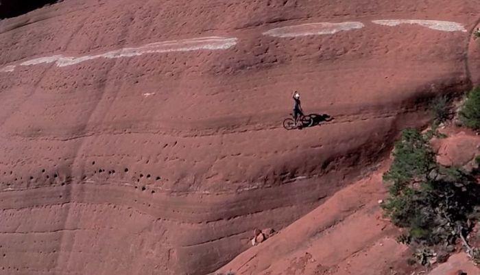 Экстремал Михал Коллбек прокатился по Красным скалам Седоны (5 фото + видео)