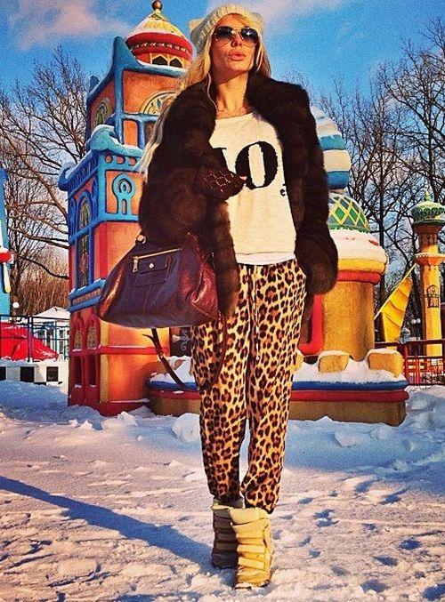Елена Политуха, жена главы Дергачевского района Харьковской области, публикует в сети откровенные фото (43 фото)