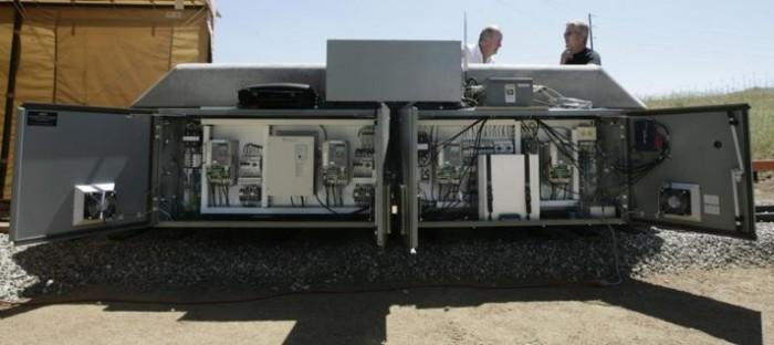 Необычные вагоны помогают использовать во благо человека энергию солнца и ветра (5 фото)