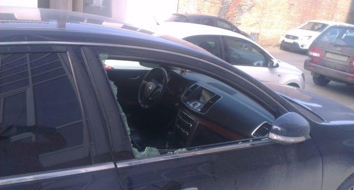 Наказание наглого автомобилиста (4 фото)