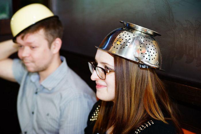 В Твери молодожены вступили в брак по пастафарианскому обряду (17 фото)