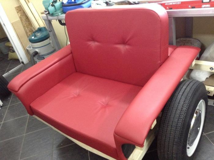 Фотоотчет создания оригинального кресла в форме ВАЗ-2101 (11 фото)