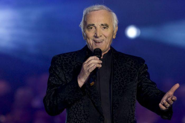Московский журналист и пользователи Facebook помогли пенсионерке попасть на концерт Шарля Азнавура (фото + видео)