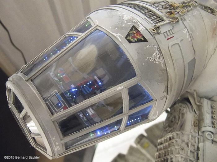 Суперреалистичный космический корабль «Тысячелетний сокол» из бумаги (45 фото)