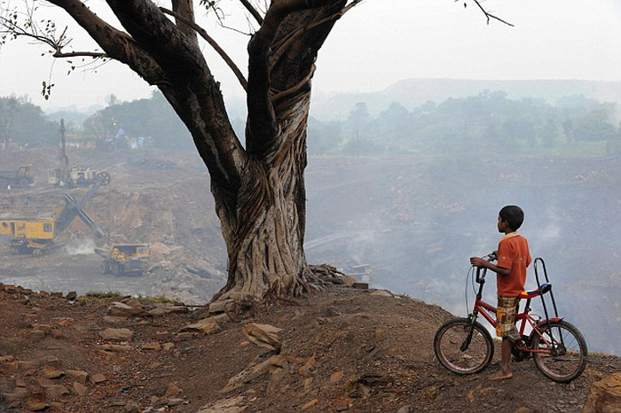 Джхария - город в дыму (24 фото)