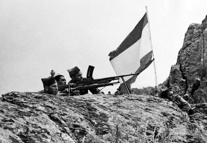 Фотографии, сделанные в первые недели Великой Отечественной войны (27 фото)