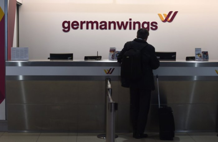 В Альпах потерпел крушение авиалайнер Airbus A-320 (20 фото + видео)