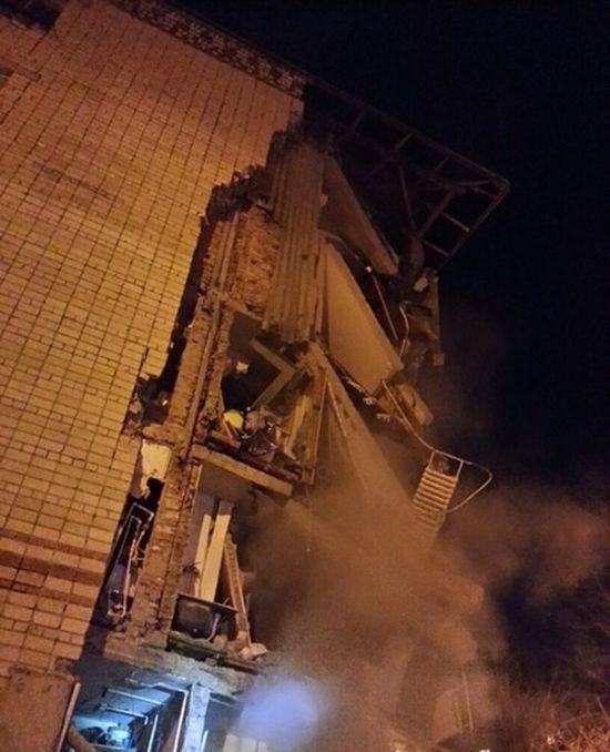 В Тюмени произошло обрушение подъезда 5-этажного дома (9 фото + видео)